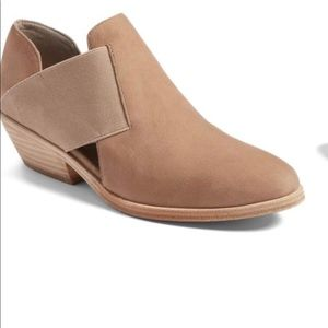 EILEEN FISHER PERRY BOOTIE!  NEW!